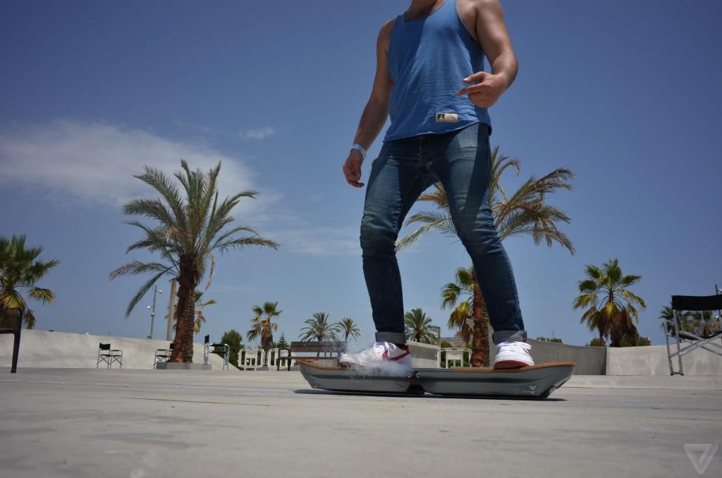 lexus-hoverboard-016-2040.0